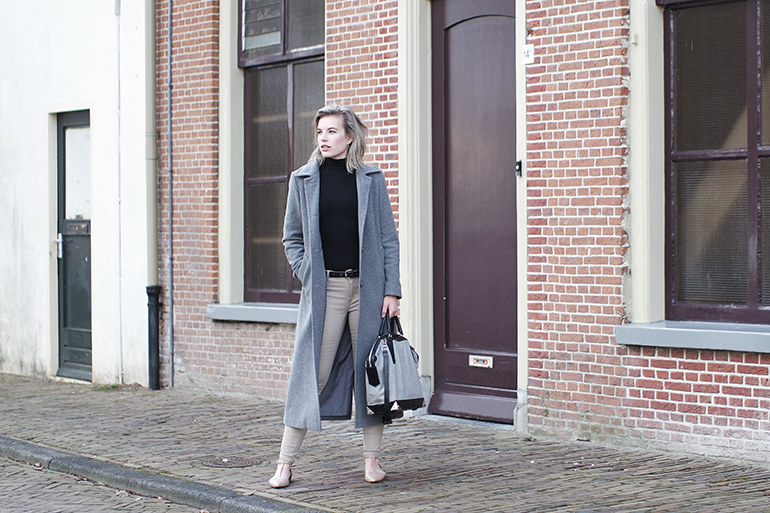 RED REIDING HOOD: Fashion blogger wearing long grey coat beige jeans alexander wang bag outfit