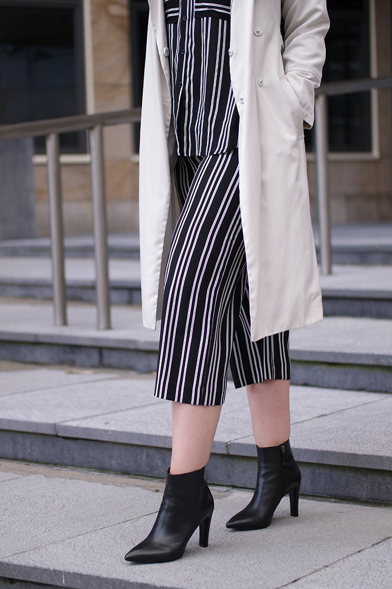 RED REIDING HOOD: Fashion blogger wearing striped culottes pyjamas outfit WE Fashion Studio Collection