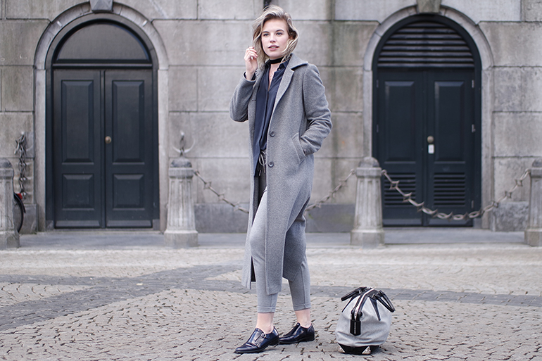 RED REIDING HOOD: Fashion blogger wearing long grey coat navy blue monks gabor shoes outfit