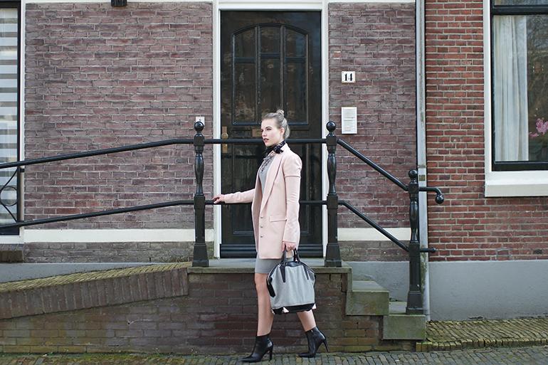 RED REIDING HOOD: Fashion blogger wearing Supertrash powder pink blazer moderood outfit