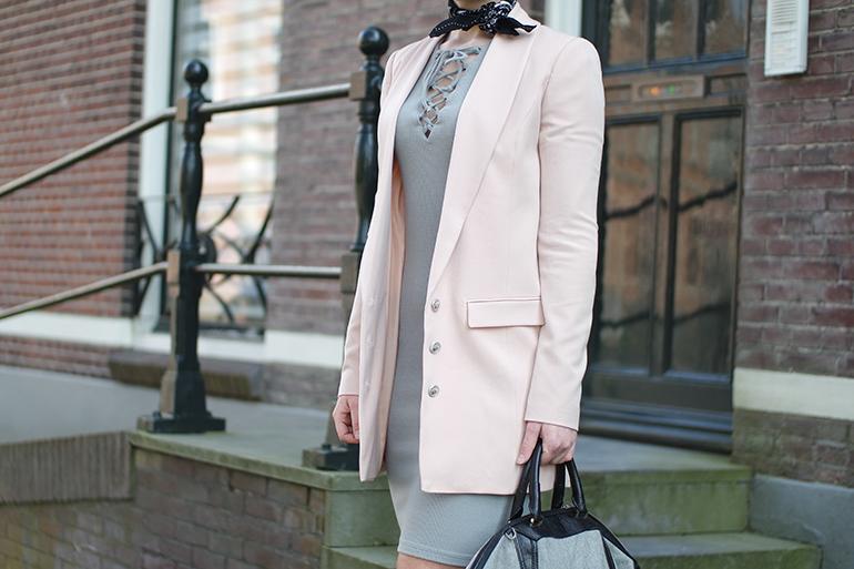 RED REIDING HOOD: Fashion blogger wearing powder pink blazer Supertrash outfit details lace up dress LA Sisters