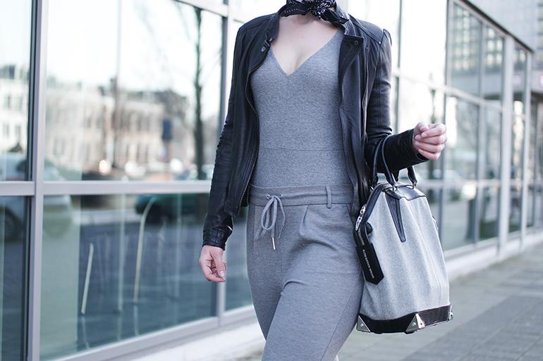 RED REIDING HOOD: Fashion blogger wearing V-neck rib body H&M outfit details leather jacket zara alexander wang emile tote bag