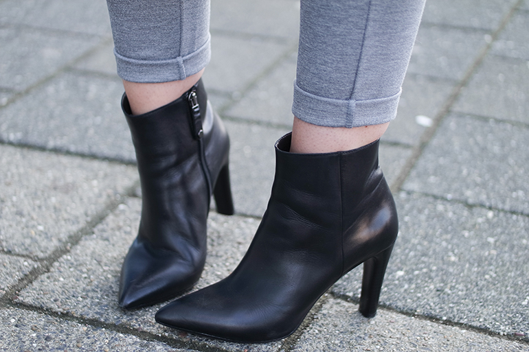 RED REIDING HOOD: Fashion blogger wearing pointy leather ankle boots omoda shoes outfit details