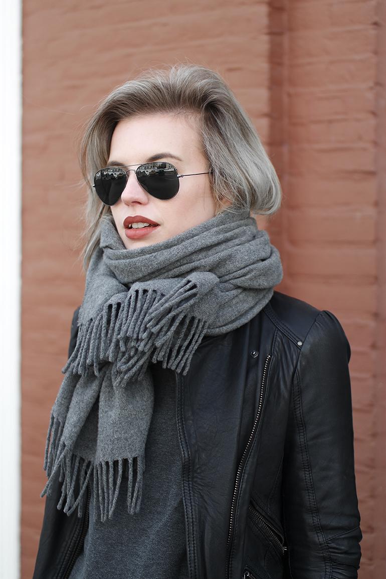 RED REIDING HOOD: Fashion blogger wearing Acne Studios Canada Wool scarf grey ray-ban aviator gunmetal sunglasses