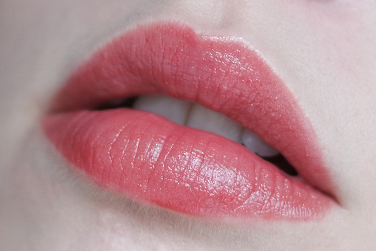 RED REIDING HOOD: beauty blogger swatch Sans Soucis Perfect Lips Every Day Lip Balm cherry toffee