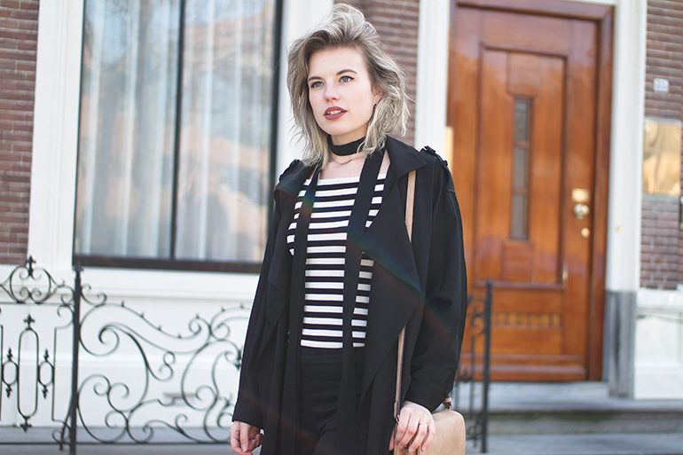 RED REIDING HOOD: Fashion blogger wearing striped top outfit details skinny scarf mango trench coat