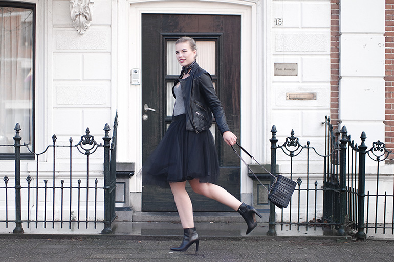 RED REIDING HOOD: Fashion blogger wearing black tulle skirt outfit leather jacket ankle boots