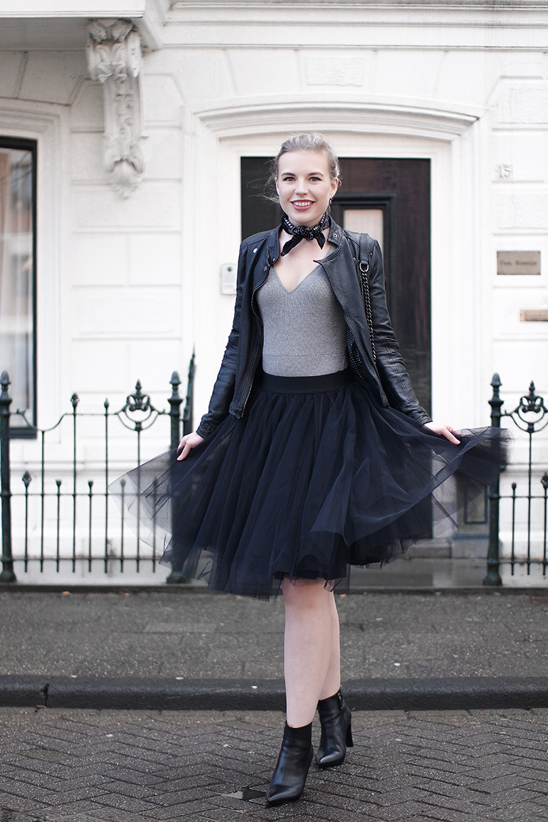 RED REIDING HOOD: Fashion blogger wearing black petticoat outfit black tulle skirt leather jacket