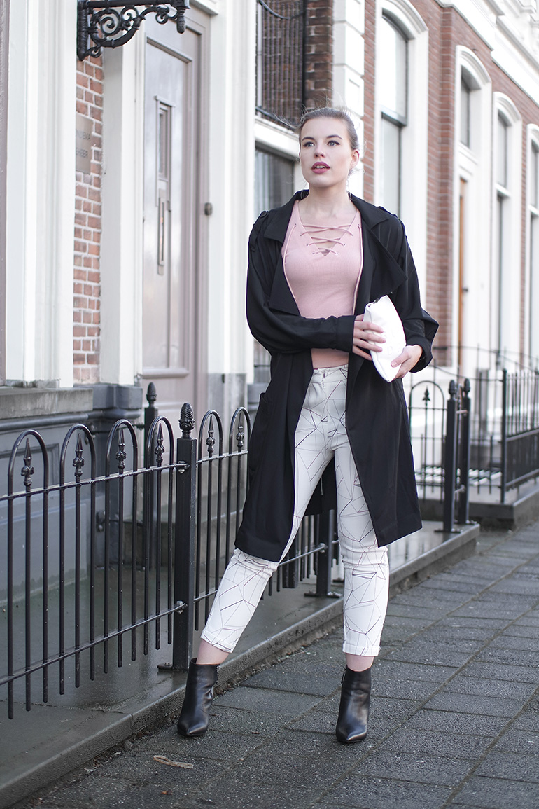 RED REIDING HOOD: Fashion blogger wearing Loavies powder pink lace up top triangle printed trousers outfit trench coat