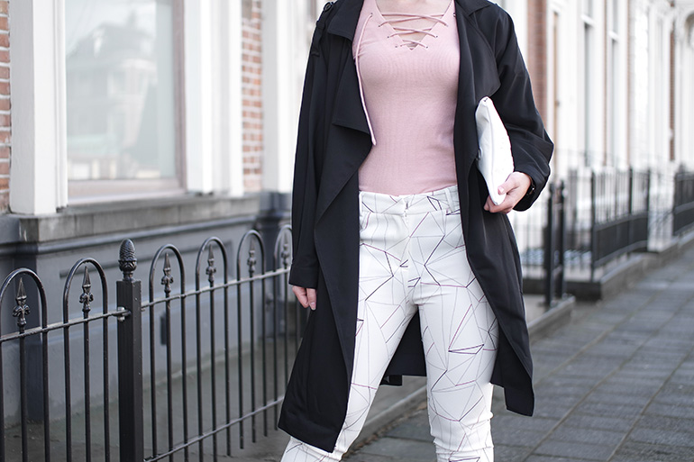RED REIDING HOOD: Fashion blogger wearing lace up top loavies printed trousers outfit trench coat