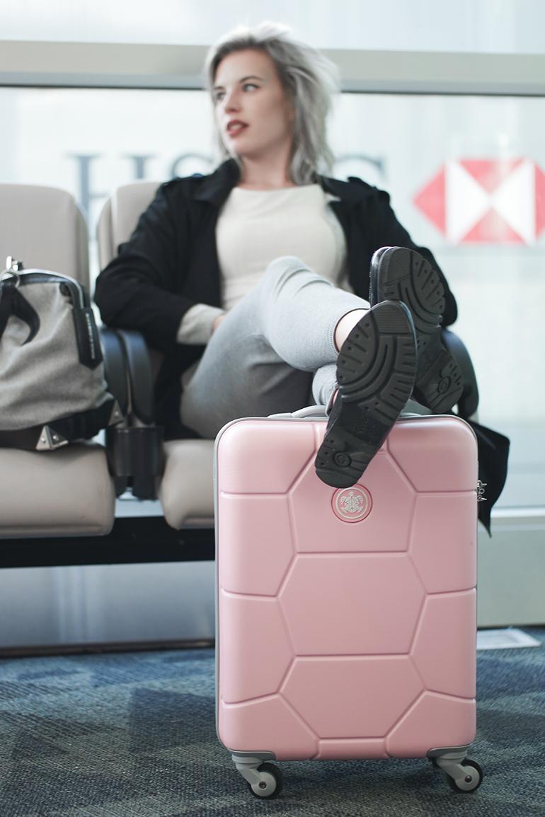 RED REIDING HOOD: Fashion blogger powder pink suitcase SUITSUIT Caretta Pink Lady bagageonline.nl