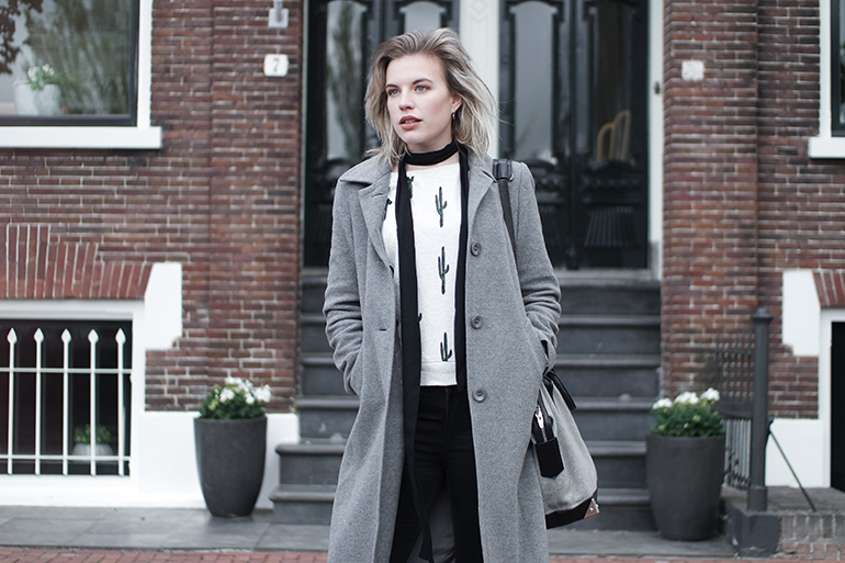 RED REIDING HOOD: Fashion blogger wearing H&M cactus sweater outfit long skinny scarf grey coat