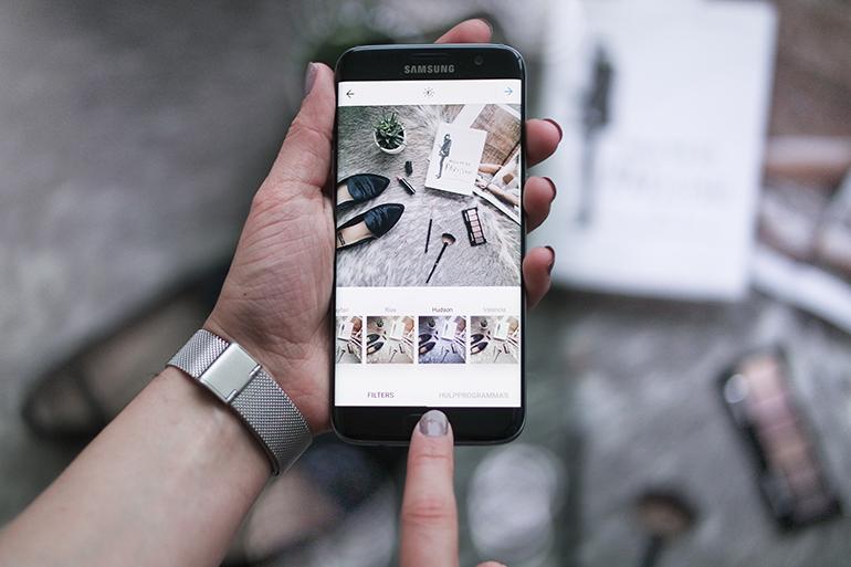RED REIDING HOOD: Fashion blogger review Samsung Galaxy S7 Edge camera specs