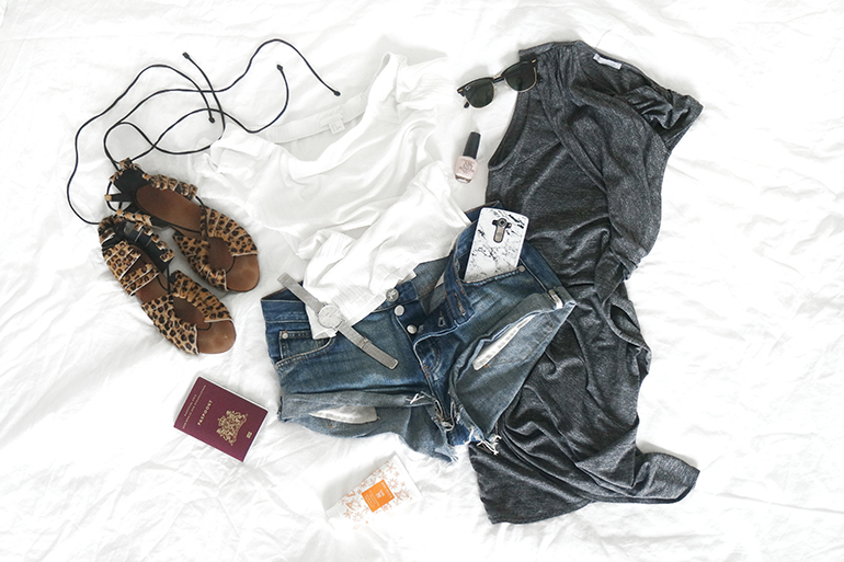RED REIDING HOOD: Fashion blogger packing tips for travelling in style