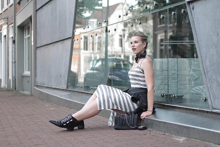 RED REIDING HOOD: Fashion blogger wearing bershka striped midi dress leather jacket tied around the waist