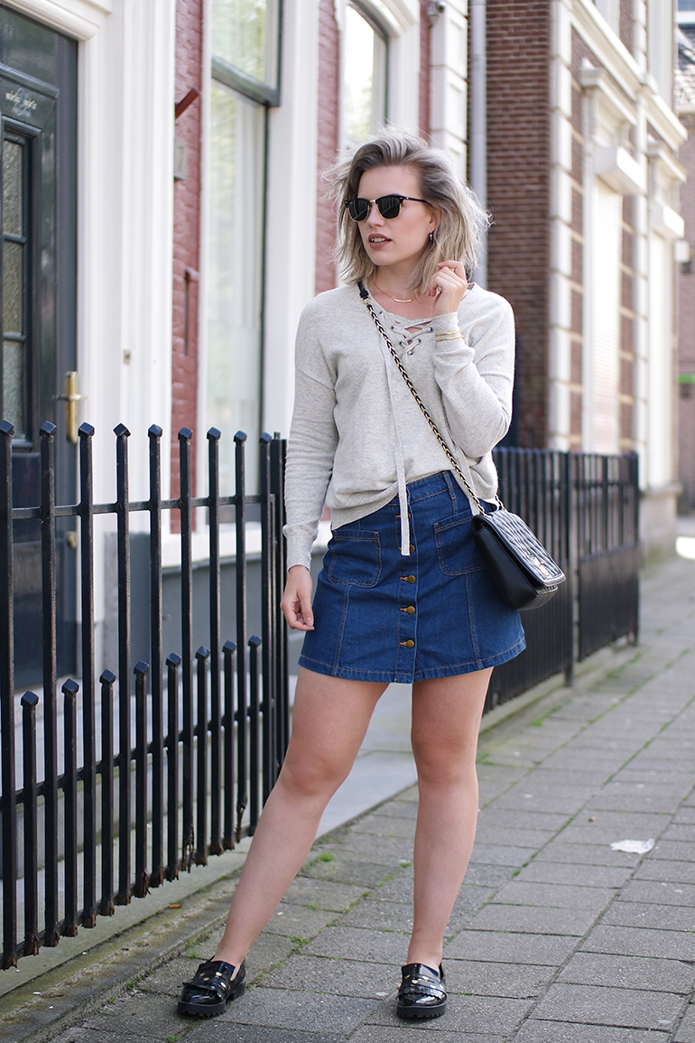 RED REIDING HOOD: Fashion blogger wearing button front A-line skirt denim lace up jumper outfit