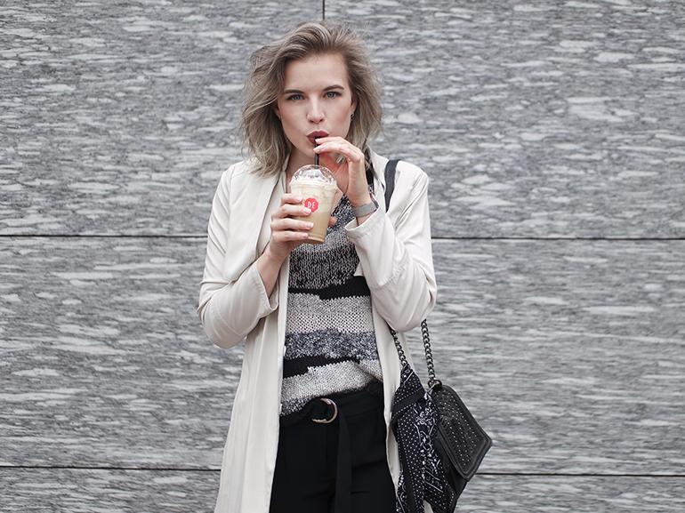 RED REIDING HOOD: Fashion blogger wearing bandana tied around bag cream trench coat d ring belt trousers