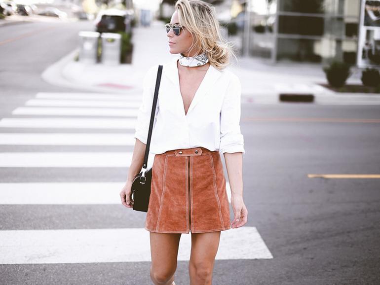 RED REIDING HOOD: Fashion blogger collage vintage wearing white bandana choker paisley scarf