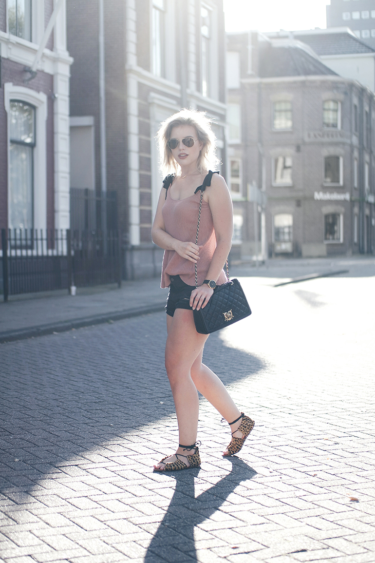 RED REIDING HOOD: Fashion blogger wearing moschino bag bow tie top zara outfit leopard sandals