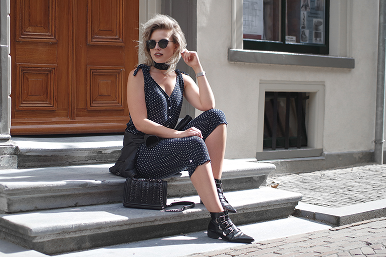 RED REIDING HOOD: Fashion blogger wearing mango jumpsuit outfit bandana neckerchief supertrash buckle boots