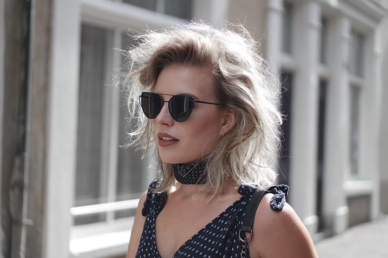 RED REIDING HOOD: Fashion blogger wearing bandana scarf outfit double bridge sunglasses