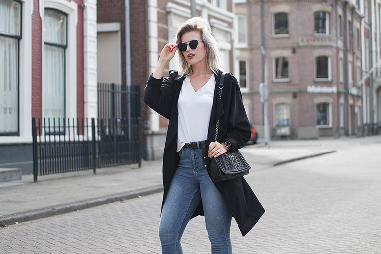 RED REIDING HOOD: Fashion blogger wearing black trench coat high waist blue jeans white tee outfit