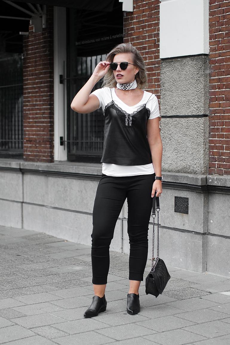 RED REIDING HOOD: Fashion blogger wearing lace insert leather camisole zara outfit bandana choker neckerchief