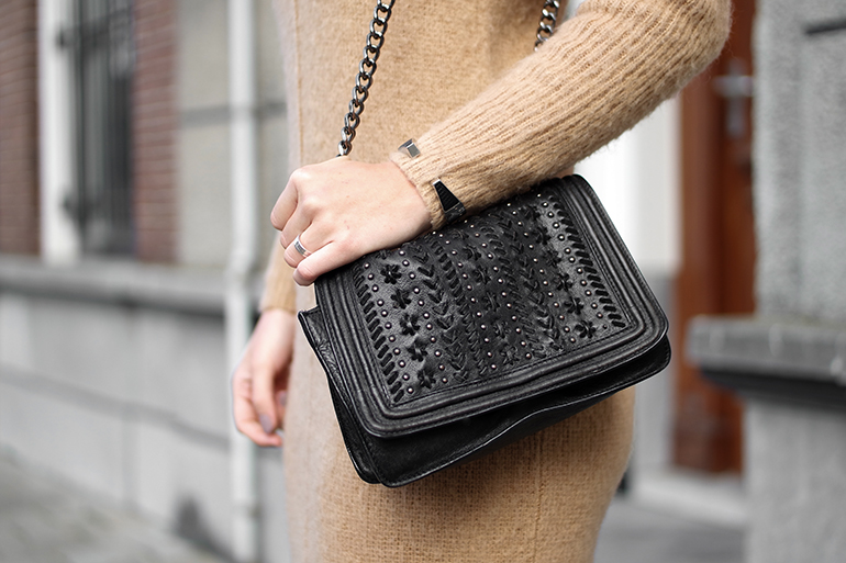 RED REIDING HOOD: Fashion blogger wearing Zara quilted cross body bag outfit chanel boy bag dupe