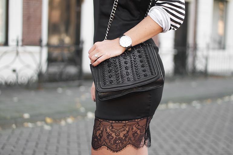RED REIDING HOOD: Fashion blogger wearing lace trim slip dress zara cross body bag outfit