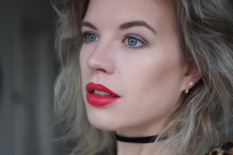 RED REIDING HOOD: Beauty blogger wearing red lipstick Sans Soucis red pleasure review
