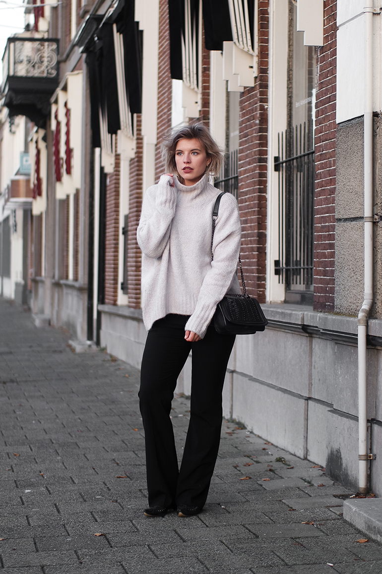 RED REIDING HOOD: Fashion blogger wearing wide leg trousers Zara oversized jumper H&M