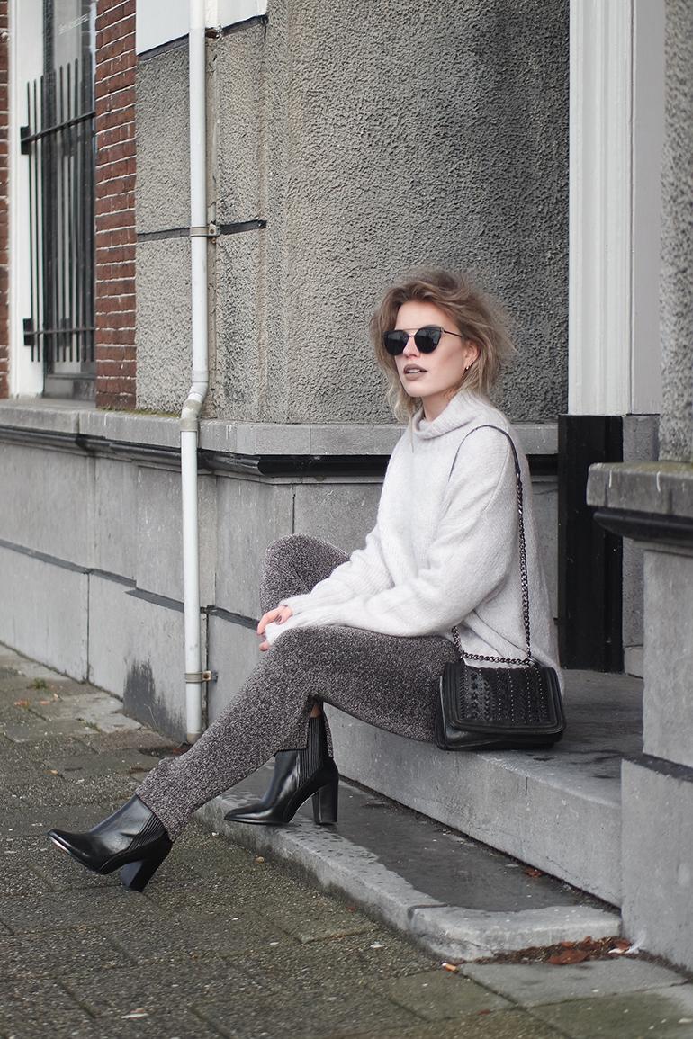 RED REIDING HOOD: Fashion blogger wearing glitter lurex trousers outfit