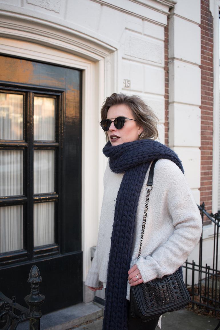 RED REIDING HOOD: Fashion blogger wearing turtleneck oversized chunky scarf gaastra sjaal
