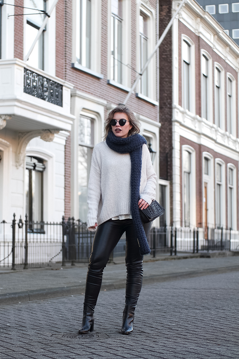 RED REIDING HOOD: Fashion blogger wearing faux leather pants H&M oversized jumper big chunky scarf