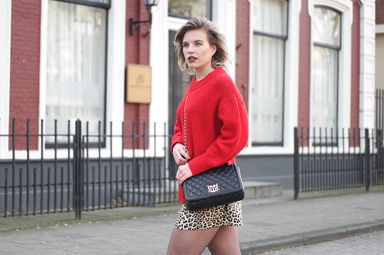 RED REIDING HOOD: Fashion blogger wearing leopard skirt shorts skort Zara outfit red jumper