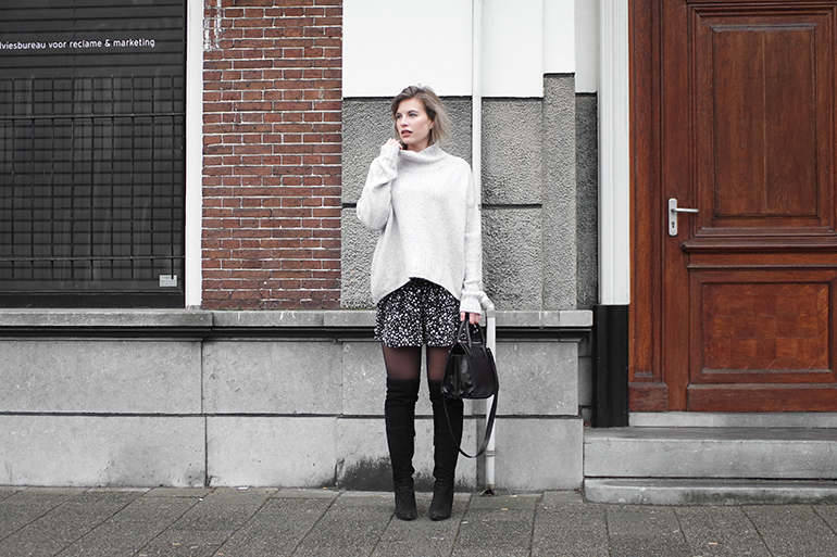 RED REIDING HOOD: Fashion blogger wearing Zara star print shorts bermuda over the knee boots outfit