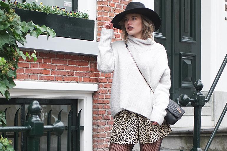 RED REIDING HOOD: Fashion blogger wearing Zara leopard print shorts outfit turtleneck jumper hat