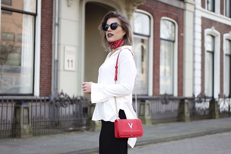 RED REIDING HOOD: Fashion blogger wearing Valentino bag red bandana choker wide sleeves shirt