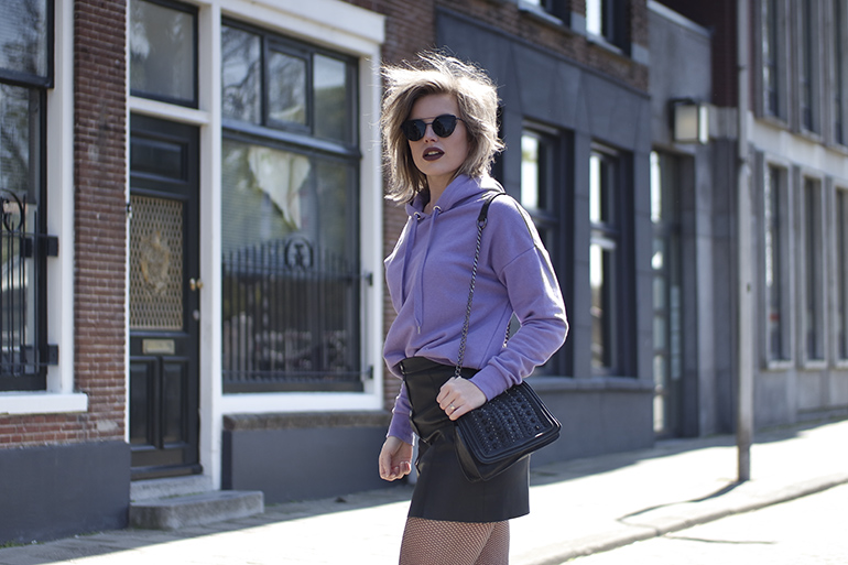 RED REIDING HOOD: Fashion blogger wearing lilac hoodie H&M button down leather skirt fishnet tights