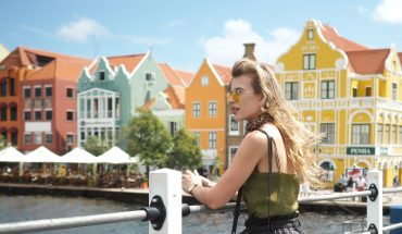 Curaçao Willemstad Handelskade travel blogger review